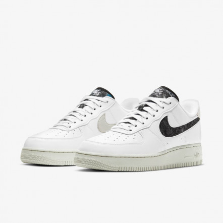 Кросівки Nike Women`s Air Force 1 07 SE DA6682-100