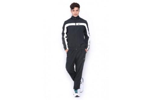 Чоловічі спортивні костюми: основні правила вибору ідеального комплекту