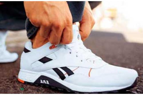Чоловіче спортивне взуття. Популярні варіанти