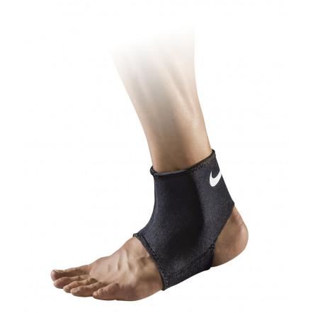 Захист для голіностопа Nike Pro Combat Hyperstrong Ankle Sleeve 2.0 NMS37-010